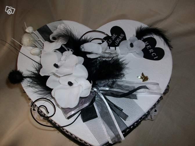 Belles Urnes De Mariage 2015 Sous Forme Coeurs En Noir Et Blanc