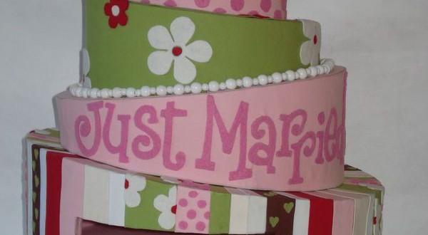 Très belles urnes de mariage 2015 sous forme de gâteaux de mariage 4 ...