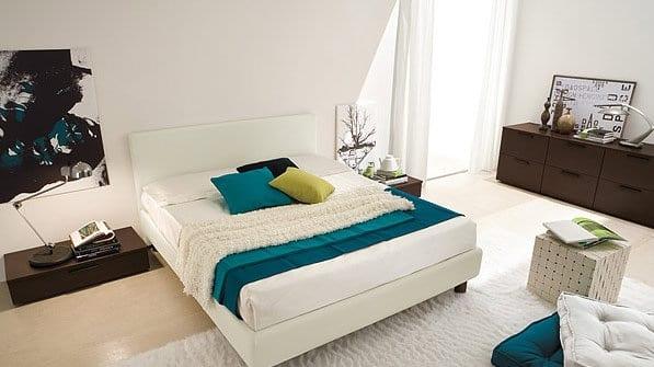 style de chambre simple. Black Bedroom Furniture Sets. Home Design Ideas