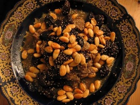 طريقة تحضير طاجين اللحم بالبرقوق المجفف و اللوز المقلي