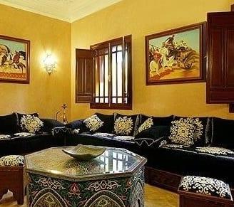 Salon marocain noir blanc cass for Salon traditionnel marocain vert