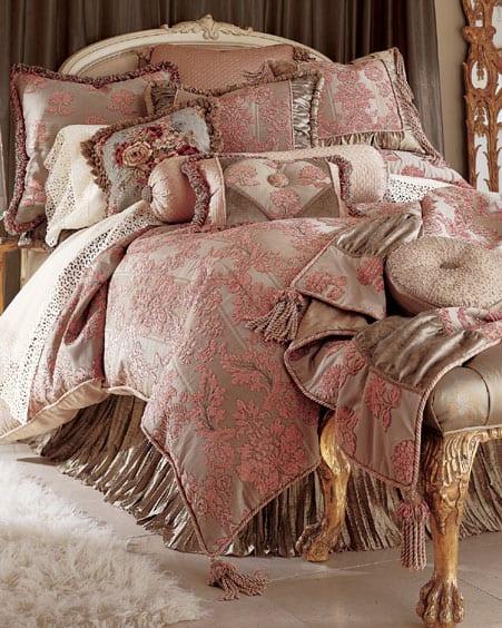 تشكيلة رائعة من مفارش غرف النوم