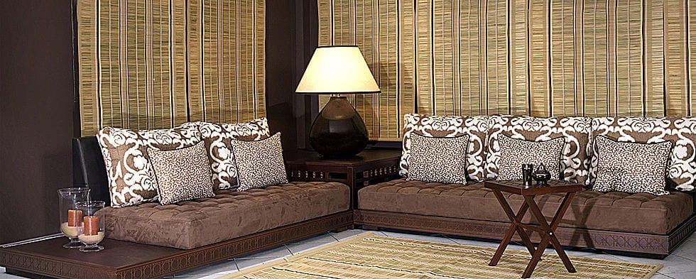 Salon marocain nouveaut marron blanc cass - Decoration salon cuir marron ...