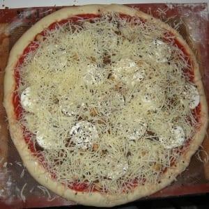 طريقة تحضير البيتزا الإيطالية 4