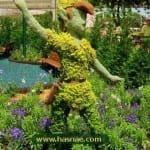 صور جميلة لتماثيل مصنوعة من الاعشاب والازهار 5