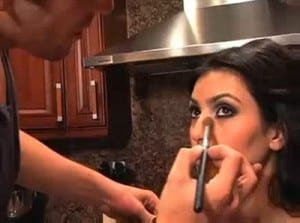 تقنية عمل مكياج عيون كيم كارداشيان -Smokey Eyes avec Kim Kardashian