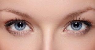 وصفات للتخلص من التجاعيد حول العينين