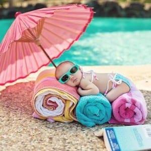صور جميلة - طفل على البحر