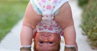 صور جميلة - طفل مقلوب
