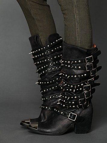 أحذية شتوية مرصعة