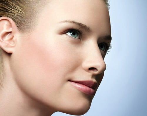 طرق طبيعية للتخلص من شعر الوجه الزائد نهائياً