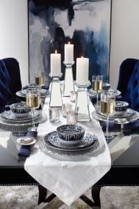 ديكور أزرق بشموع لتزيين مائدة رمضان