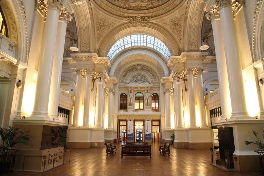 دليلك السياحي لمدينة بروكسل عاصمة بلجيكا - Le Palais de la Bourse 2