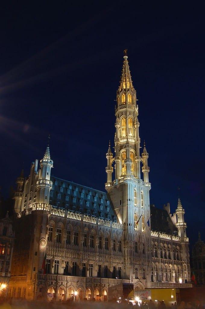 دليلك السياحي لمدينة بروكسل عاصمة بلجيكا - L'Hôtel de Ville