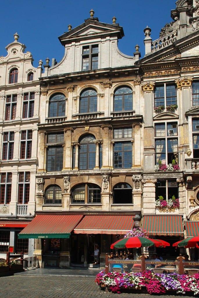 دليلك السياحي لمدينة بروكسل عاصمة بلجيكا - La Maison de Victor Hugo