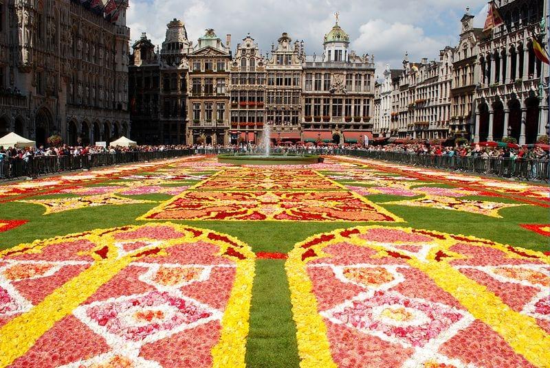 دليلك السياحي لمدينة بروكسل عاصمة بلجيكا - Le Tapis de Fleurs