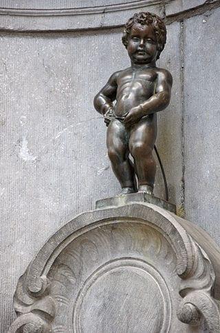 دليلك السياحي لمدينة بروكسل عاصمة بلجيكا - Manneken Pis 2