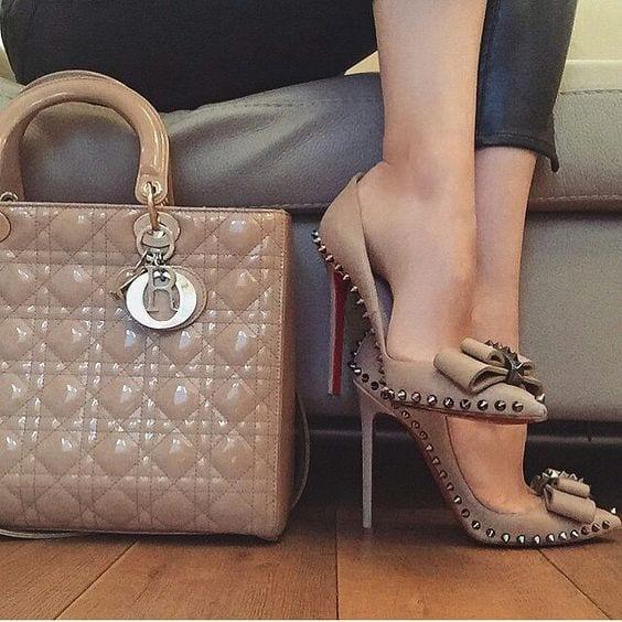 أحذية نسائية كلاسيكية راقية و شيك - 1