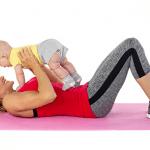تمارين للتخلص من البطن بعد الولادة مع البيبي - فيديو حصري